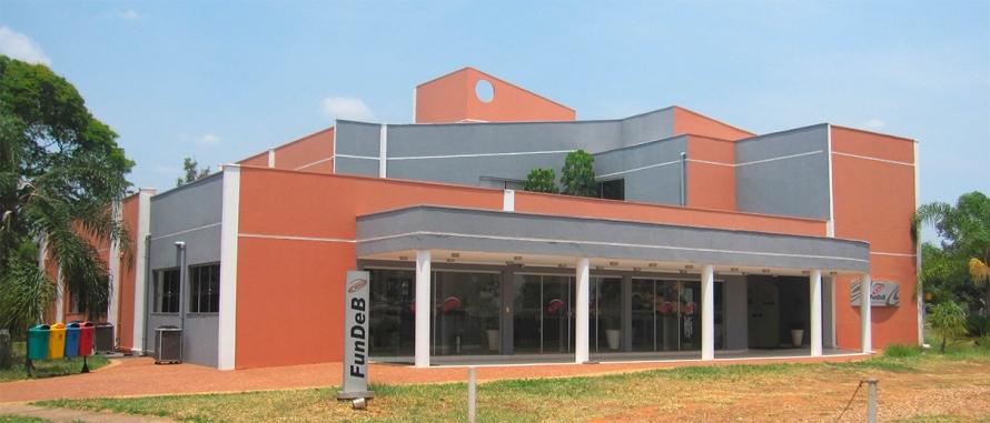"""Bauru: sede de las sesiones del congreso en la Universidad Estadual Paulista """"Júlio de Mesquita Filho""""–UNESP. Imagen: Sandra Negro, 2014."""